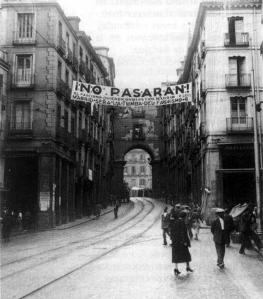 Calle Toledo y Plaza Mayor de Madrid. Otoño 1937