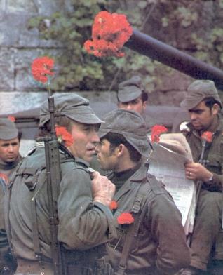 Una calle de Lisboa. 25 de abril de 1974