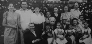 _Ismael y Faustina con hijos y nietos en Santander años 40.jpg